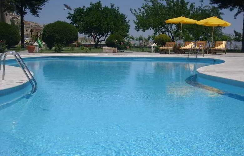 Uchisar Kaya - Pool - 32