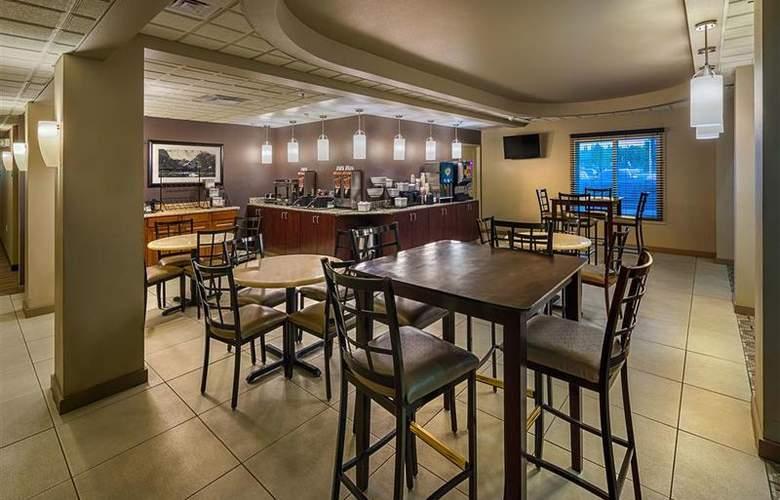Best Western Plus Chena River Lodge - Restaurant - 5