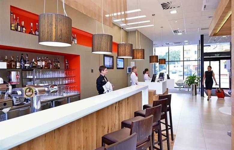 Comfort Olomouc Centre - Bar - 13