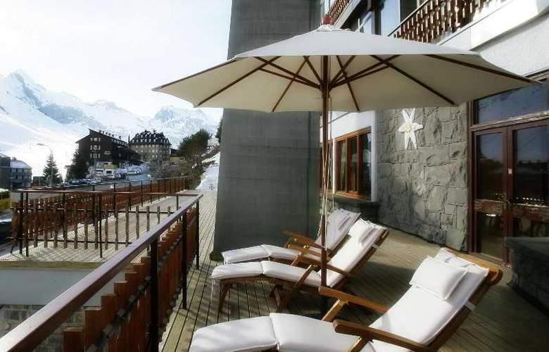 Edelweiss Candanchú - Terrace - 22