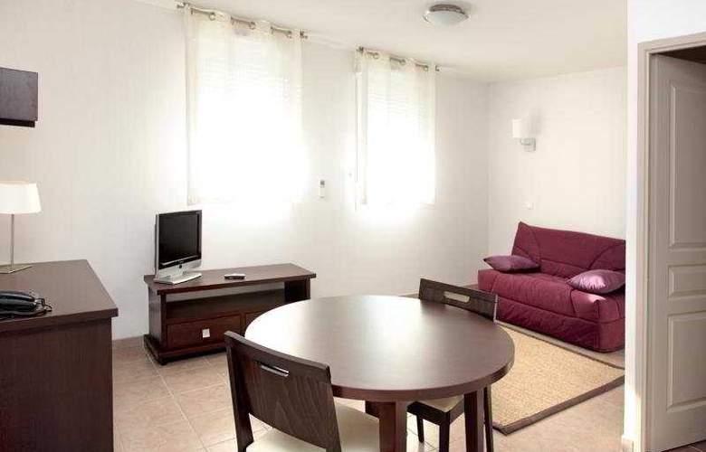 Park & Suites Village Six Fours les Plages - Room - 5