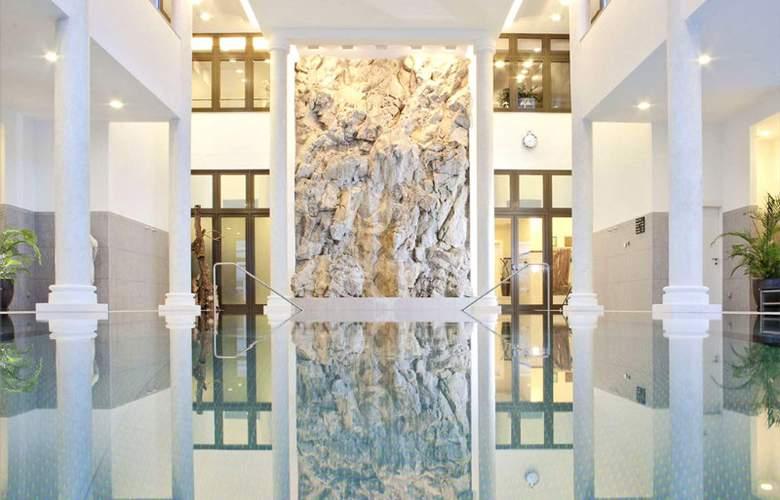 Kempinski Grand Hotel des Bains - Pool - 4