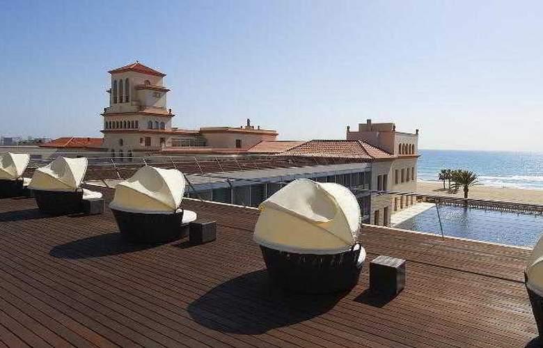 Le Meridien Ra Beach Hotel & Spa - Terrace - 68