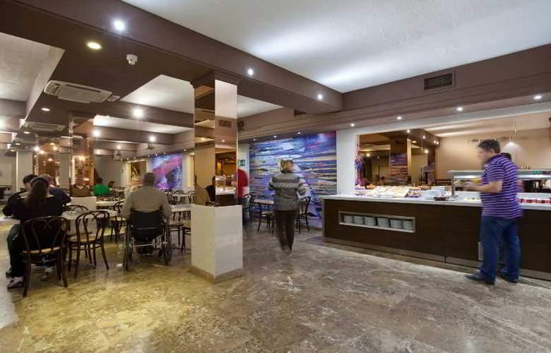Puerta de Toledo - Restaurant - 37