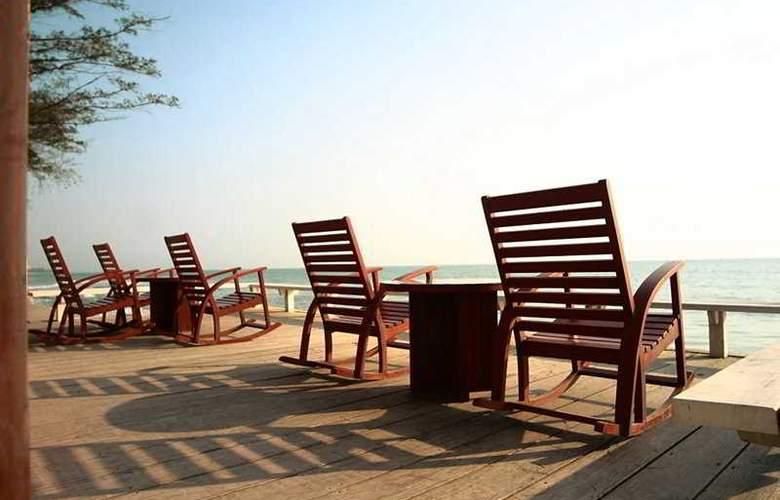 Lets Sea Hua Hin Al Fresco Resort - Terrace - 7
