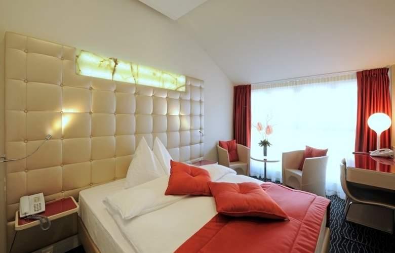 St. Gotthard - Room - 3