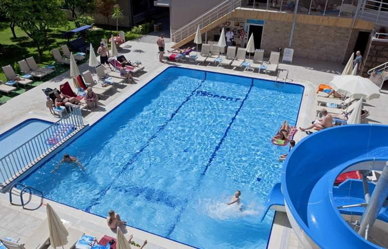 Monart City - Pool - 3