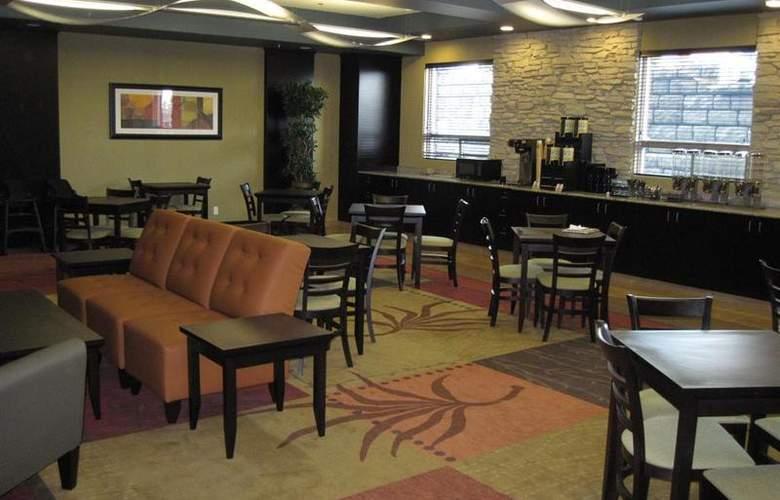 Best Western Plus The Inn At St. Albert - Restaurant - 143