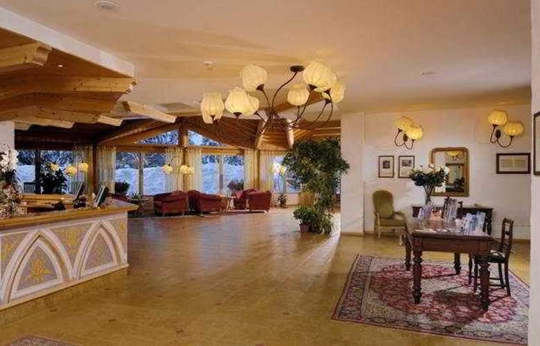 Carlo Magno Spa Resort - Hotel - 0