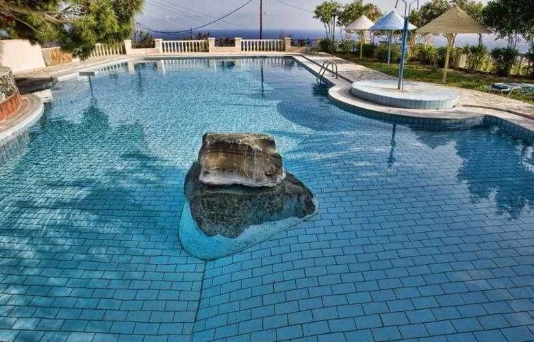 Coriva Beach - Pool - 3