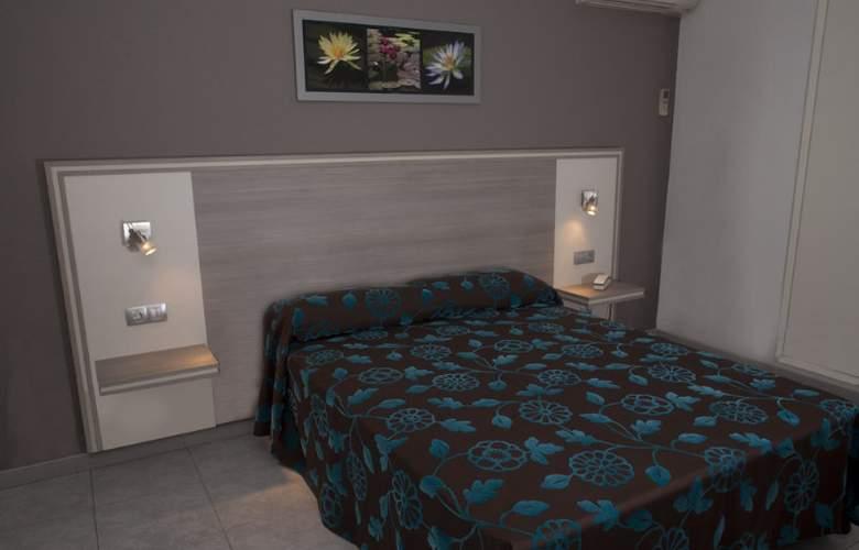 Planas - Room - 2