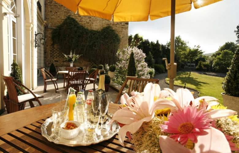 Best Western Premier La Villa Des Fleurs - Terrace - 6