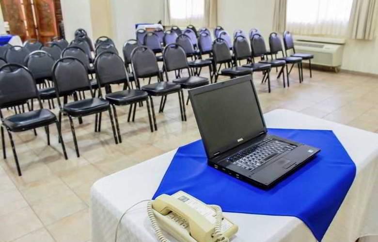 Comfort Inn Tampico - Conference - 4