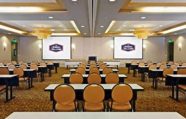 Hampton Inn and Suites Miami Brickell Downtown - Conference - 4