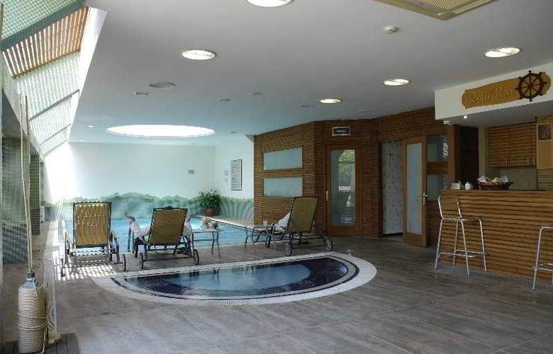 Grand Cettia - Pool - 1