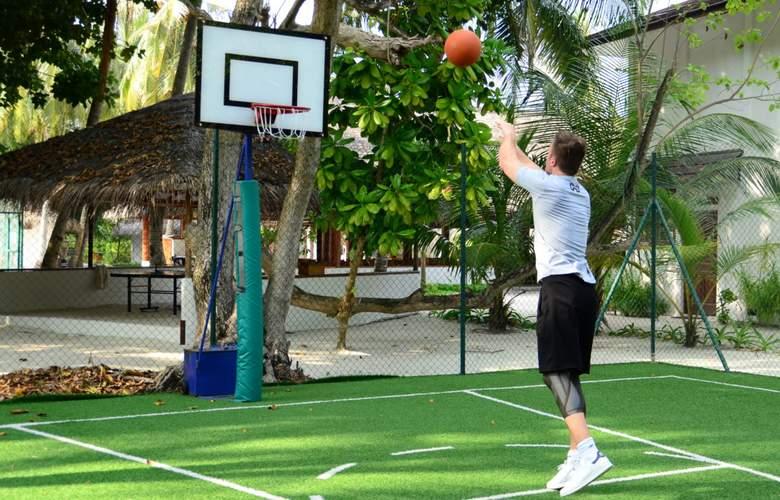 Palm Beach Resort & Spa Maldives - Sport - 30