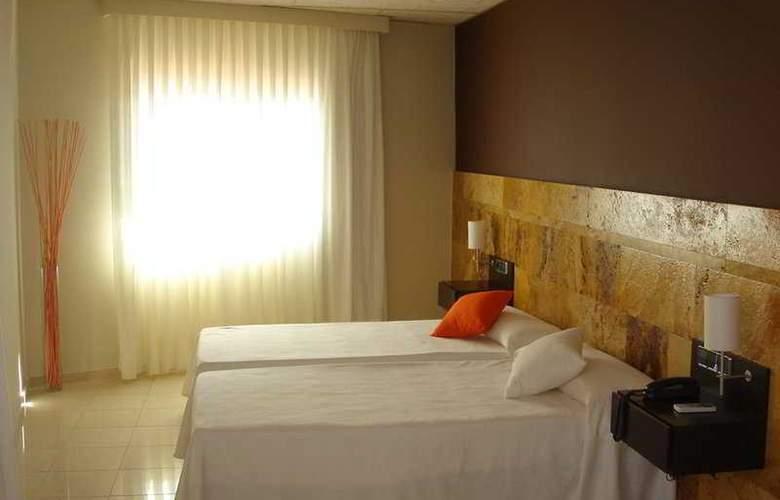 Pinar del Mar - Room - 4