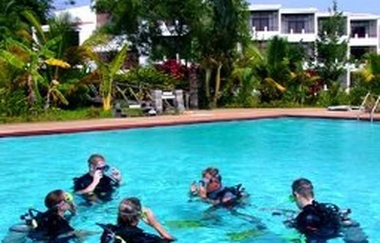 Chumphon Cabana Resort & Diving Centre - Pool - 7