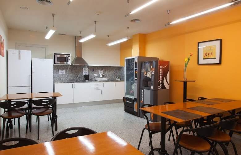 Residencia Erasmus Gracia - Restaurant - 30