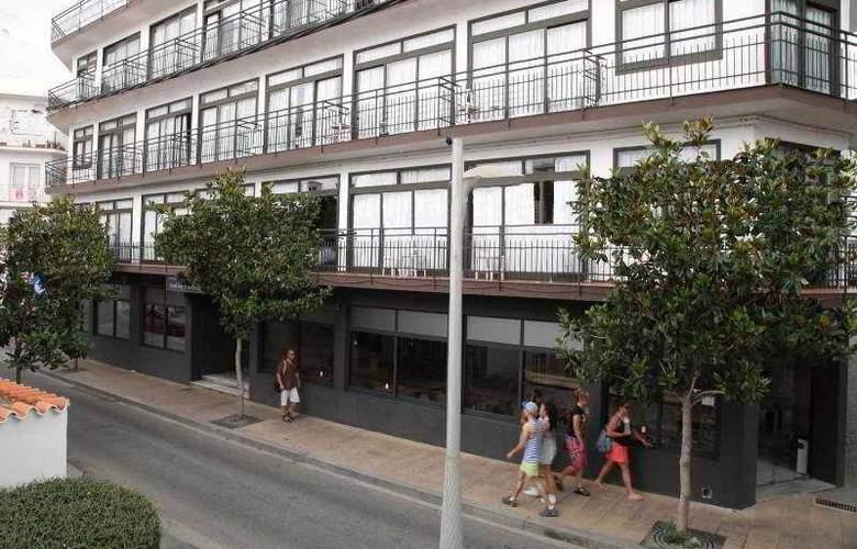 Azuline Hotel Llevant - Hotel - 1
