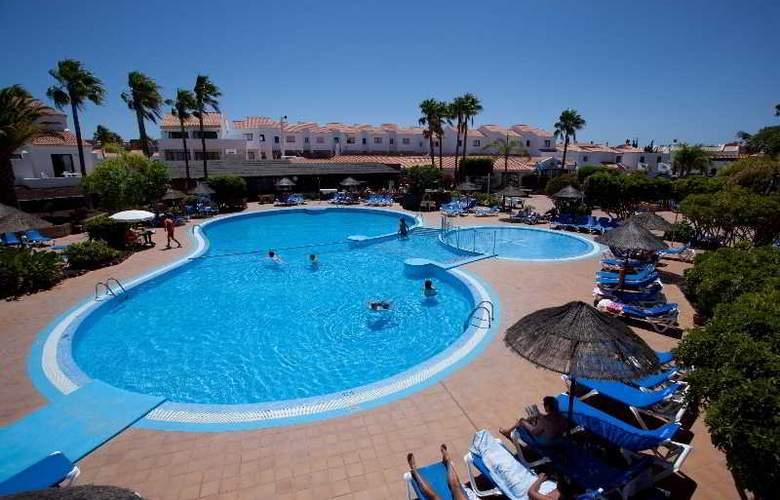 Select Sunningdale - Pool - 30