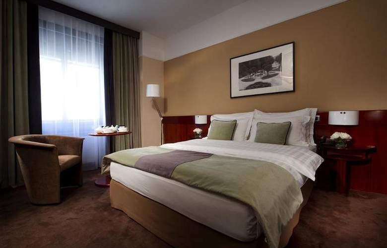 Best Western Premier Slon - Room - 16