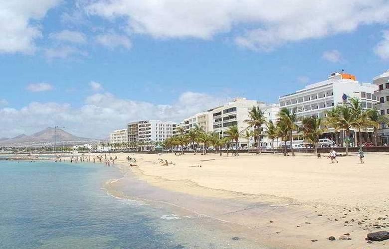 Lancelot - Beach - 4