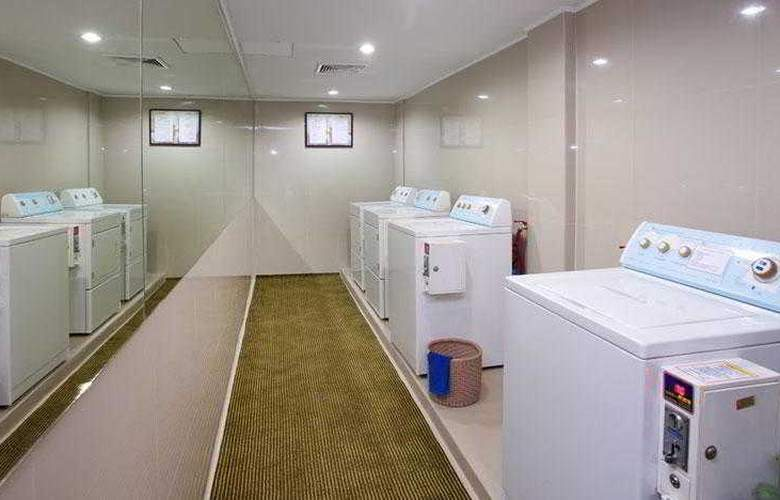 Kingston Suites - Hotel - 8