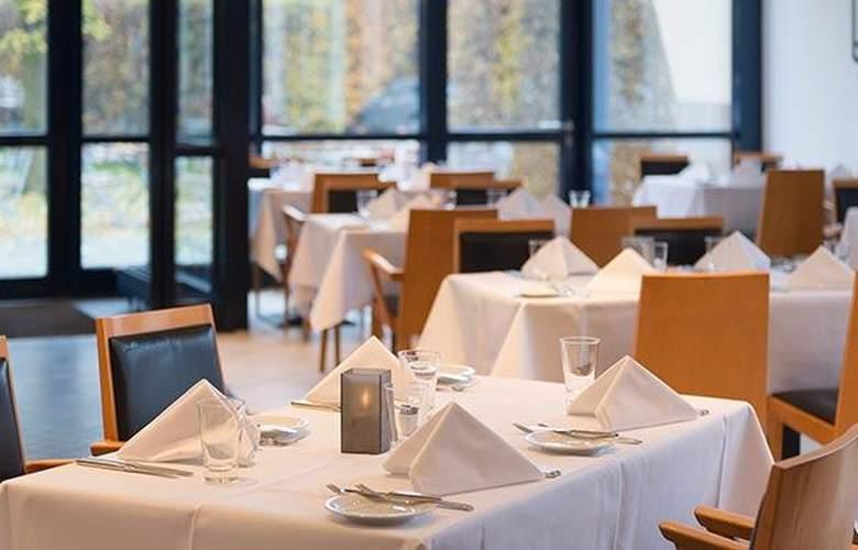Tryp Dusseldorf Airport - Restaurant - 28
