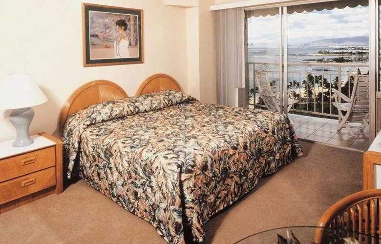 Castle Waikiki Shore Beachfront - Room - 2