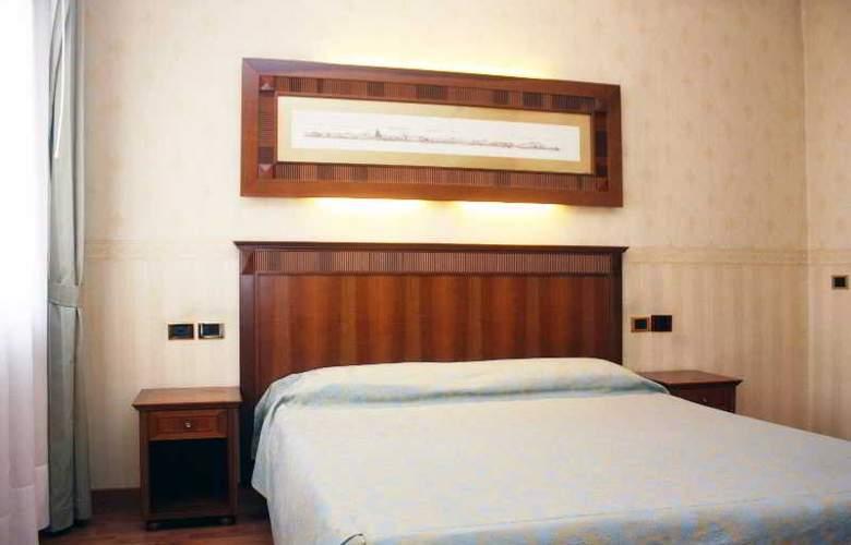 Duca d'Aosta - Room - 13