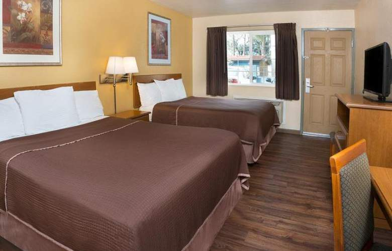 Howard Johnson Express Inn National City/San Diego - Room - 13