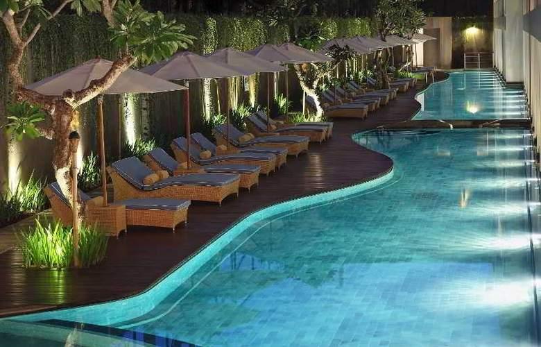 Ossotel Legian Bali - Room - 8