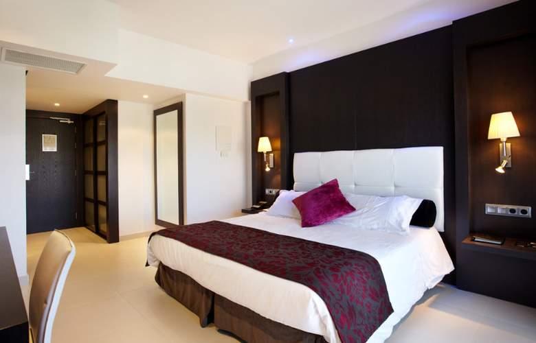 Saratoga - Room - 4
