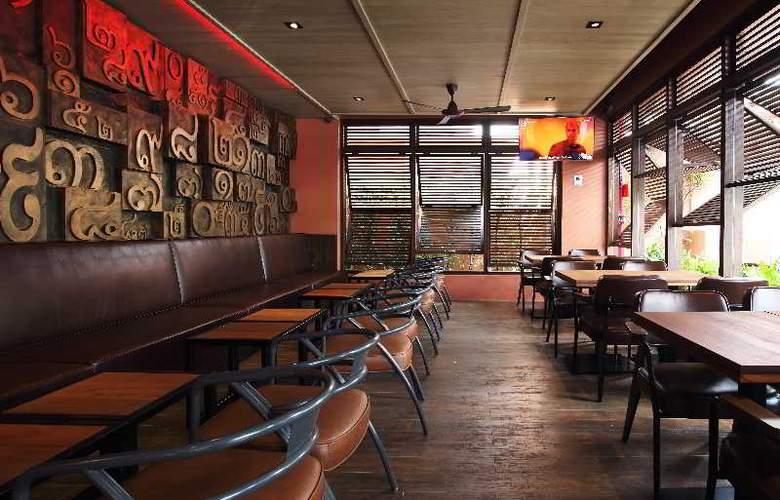 Rambuttri Village Inn & Plaza - Restaurant - 16
