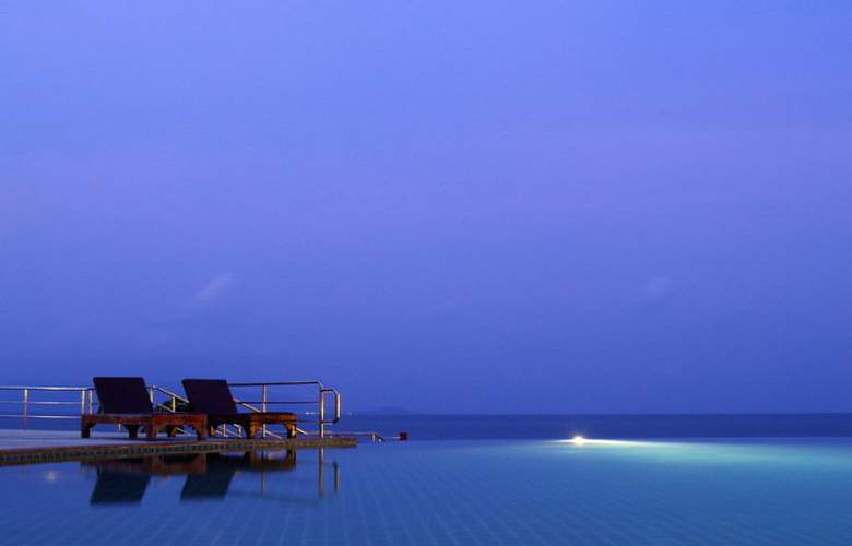 Samui Buri Beach Resort - Pool - 15
