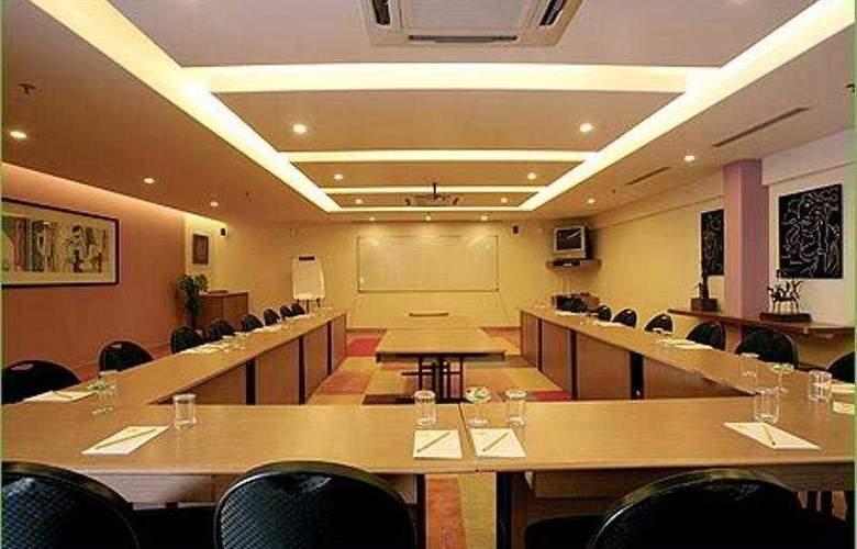 Lemon Tree Hotel, Udyog Vihar - Conference - 7