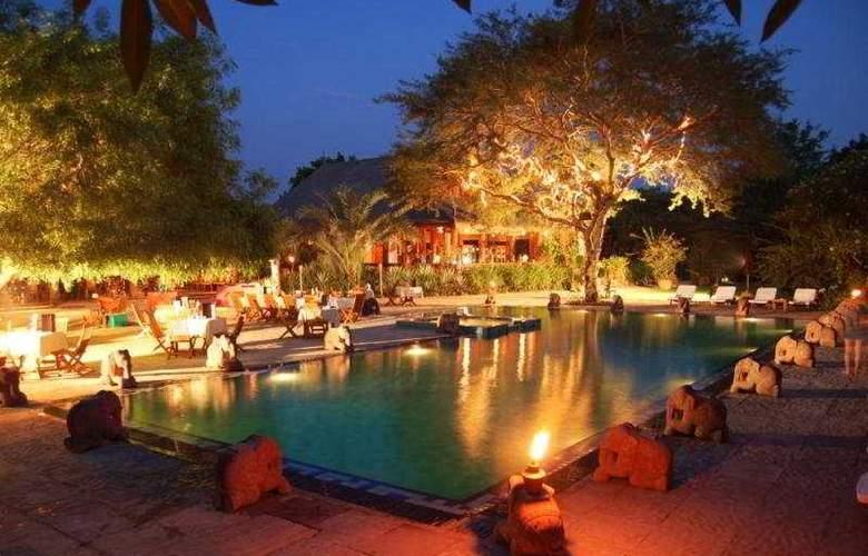 The Hotel@ Tharabar Gate - Pool - 5