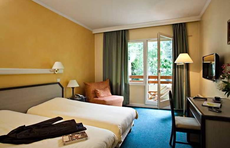 Athena - Room - 11
