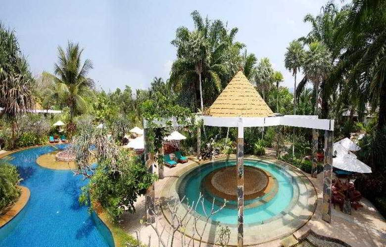 The Hotspring Beach Resort & Spa - Pool - 8