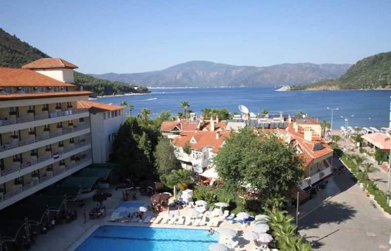 L´ Etoile Beach Hotel - Hotel - 7