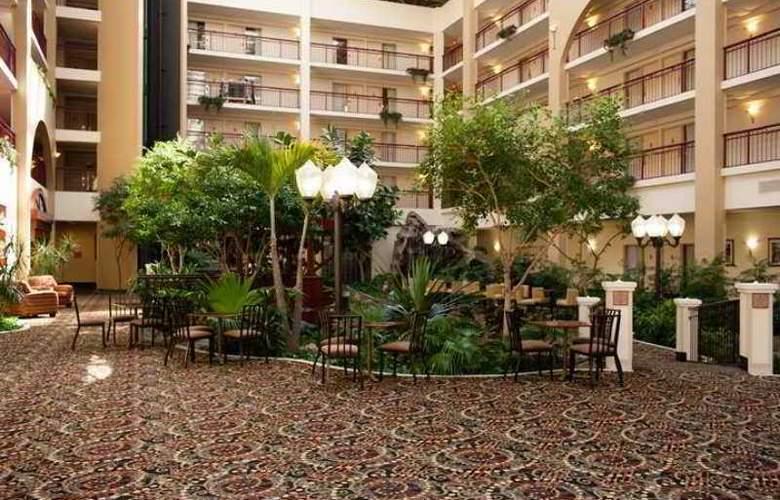 Embassy Suites Detroit - Livonia/Novi - Hotel - 1