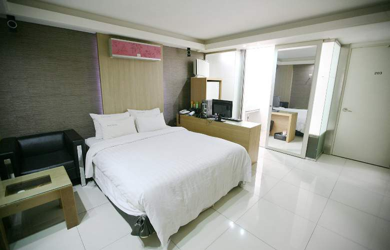 Hit Hotel - Room - 8