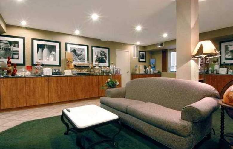 Hampton Inn Portland/Clackamas - Hotel - 0