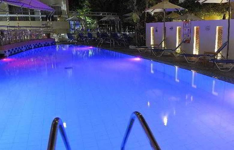 Agla - Pool - 4
