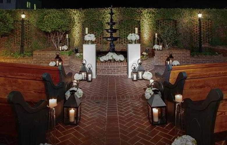 Courtyard Charleston Historic District - Hotel - 21