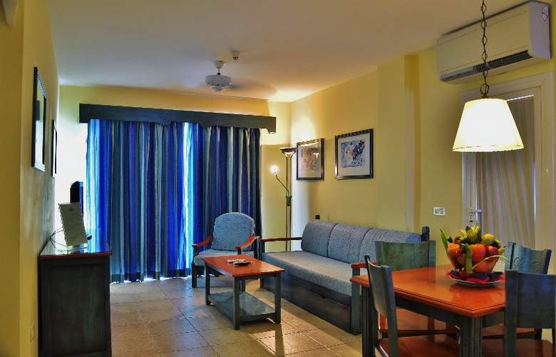 Granada Park - Room - 6