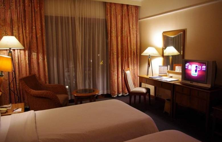 Novotel Surabaya Hotel and Suites - Room - 5