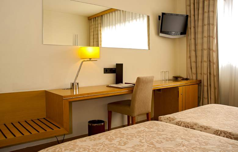 Euro Hotel Diagonal Port - Room - 18