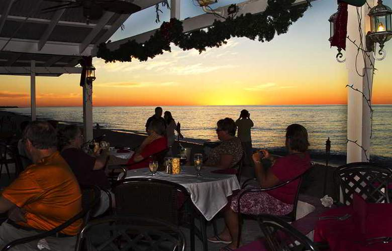 Sand Castle on the Beach - Restaurant - 34